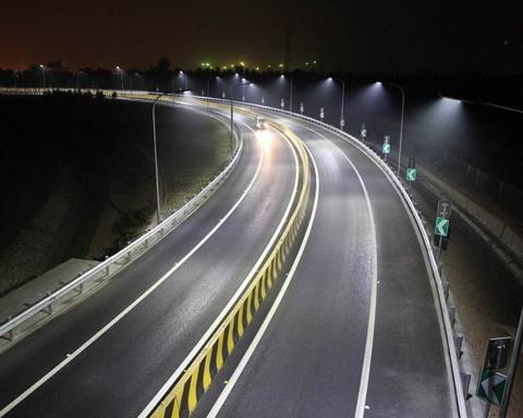 LED道路照明灯